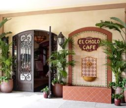 EL Cholo Cafe